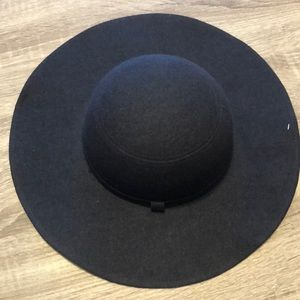 NY&Co wide brim hat